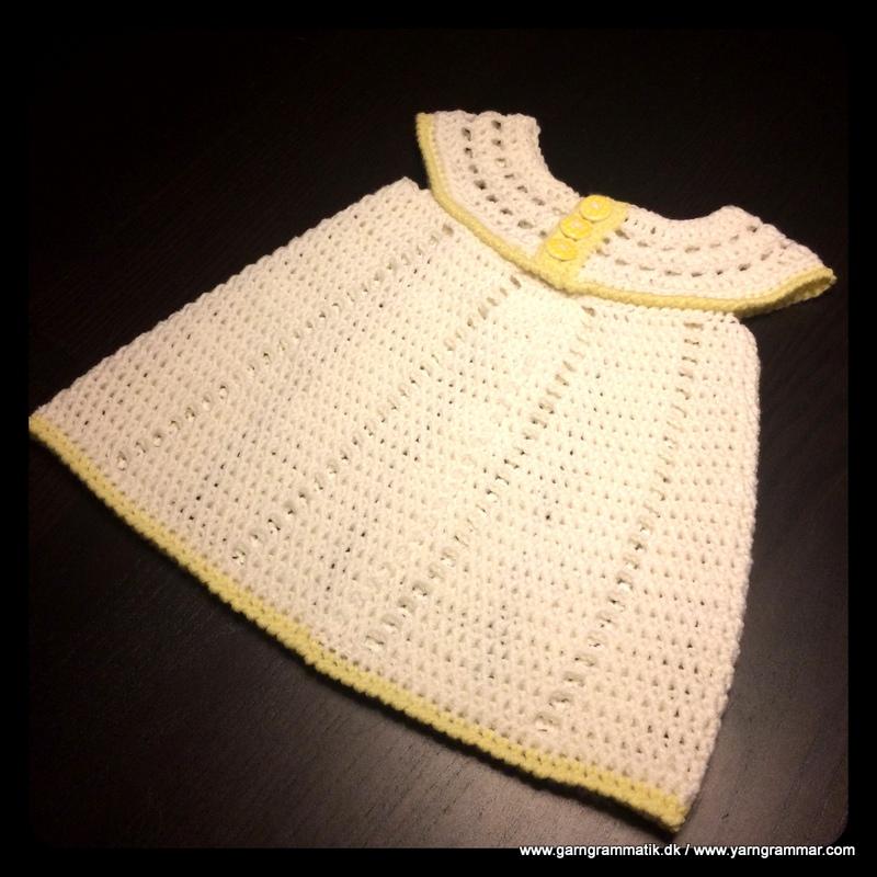 6b244d354abe Babykjole med hulmønster - Garn Grammatik